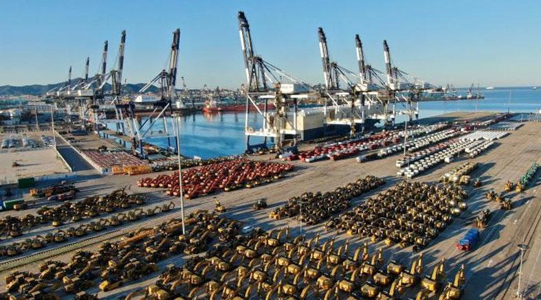 山东港口开通首条欧洲滚装航线